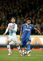 Calcio, Serie A: Napoli, stadio San Paolo, 2 aprile, 2017.<br /> Juventus Sami Khedira (r) in action with Napoli's Dries Mertens (l) during the Italian Serie A football match between Napoli and Juventus at San Paolo stadium, April 2, 2017<br /> UPDATE IMAGES PRESS/Isabella Bonotto