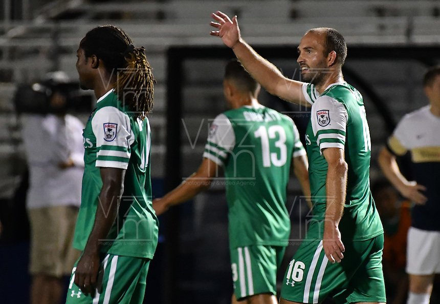 HEMPSTEAD - USA. 13-07-2016: Adam Moffat ( Der) jugador del New York Cosmos celebra después de anotar el tercer gol de su equipo a Jacksonville Armada FC durante partido por la temporada de otoño 2016 de la North American Soccer League (NASL) jugado en el estadio James M. Shuart Stadium de la ciudad de Hempstead, NY./ Adam Moffat (R) player of New York Cosmos celebrates after scoring the third goal of his team to Jacksonville Armada FC during match for the fall season 2016 of the  North American Soccer League (NASL) played at James M. Shuart Stadium in Hempstead, NY. Photo: VizzorImage/ Gabriel Aponte / Staff