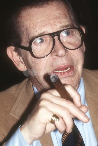 Milton Berle 1978<br /> Photo By Adam Scull/PHOTOlink.net/MediaPunch
