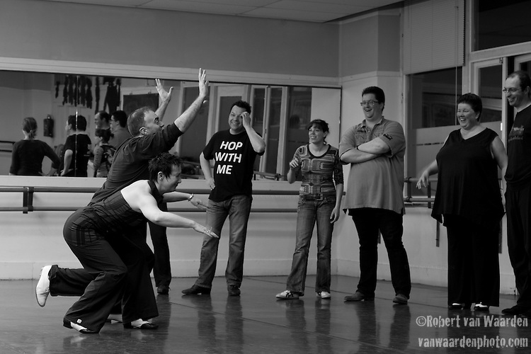 Hans and Katja from Ka - Motion in Gouda teach a lindy hop calss