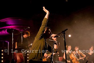 Genève, le 31.10.2008.Concert The Young Gogs, les barbouzes de chez Fior et Erika Stucky.© Le Courrier / J.-P. Di Silvestro