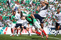 SOCCER/FUTBOL..ELIMINATORIAS CONCACAF 2010..MEXICO VS ESTADOS UNIDOS..CLASICO DE CONCACAF..Action photo of Gerardo Torrado (L) of Mexico and Clint Dempsey (R) of USA, during World  Cup 2010 qualifier game at the Azteca Stadium./Foto de accion de Gerardo Torrado (I) de Mexico y Clint Dempsey (D) de USA, durante juego eliminatorio de Copa del Mundo 2010 en el Estadio Azteca. 12 August 2009. MEXSPORT/ETZEL ESPINOSA