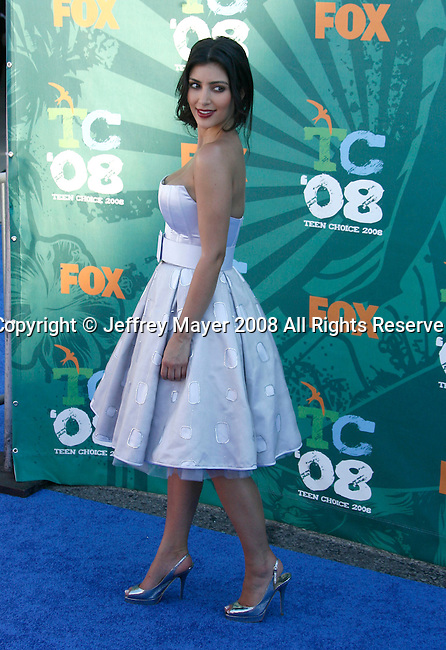 TV Personality Kim Kardashian arrives at the 2008 Teen Choice Awards at the Gibson Amphitheater on August 3, 2008 in Universal City, California.