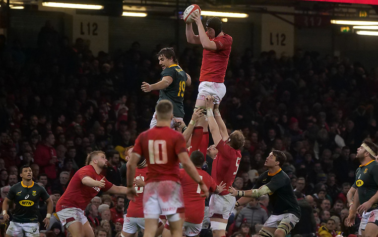 Wales' Adam Beard claims the line out <br /> <br /> Photographer Ian Cook/CameraSport<br /> <br /> Under Armour Series Autumn Internationals - Wales v South Africa - Saturday 24th November 2018 - Principality Stadium - Cardiff<br /> <br /> World Copyright © 2018 CameraSport. All rights reserved. 43 Linden Ave. Countesthorpe. Leicester. England. LE8 5PG - Tel: +44 (0) 116 277 4147 - admin@camerasport.com - www.camerasport.com