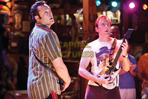 VINCE VAUGHN & PETER SERAFINOWICZ.in Couples Retreat .*Filmstill - Editorial Use Only*.CAP/FB.Supplied by Capital Pictures.