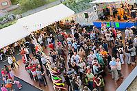 Fest-noz urbain et estival a Lannion, avec plancher