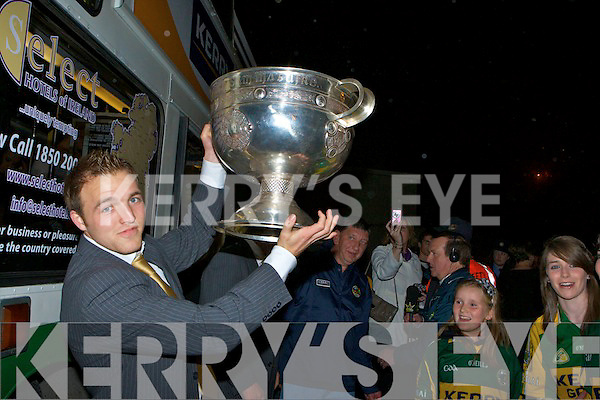 A large Crowd welcoming the Kerry team and Sam Maguire to Killarney on Monday Night..