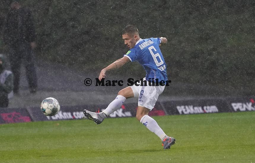 Marvin Mehlem (SV Darmstadt 98) - 04.10.2019: SV Darmstadt 98 vs. Karlsruher SC, Stadion am Boellenfalltor, 2. Bundesliga<br /> <br /> DISCLAIMER: <br /> DFL regulations prohibit any use of photographs as image sequences and/or quasi-video.
