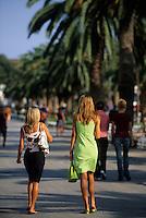 Europe/Croatie/Dalmatie/Split: Promenade sur le boulevard du port