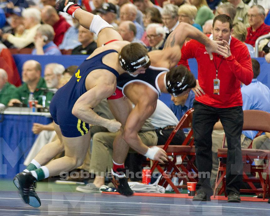 2011 NCAA Round 1 Scott Winston (Rutgers) vs Dan Yates (Michigan)
