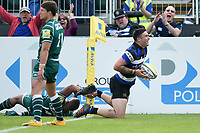 Matt Banahan of Bath Rugby scores his third try of the match. Aviva Premiership match, between Bath Rugby and London Irish on May 5, 2018 at the Recreation Ground in Bath, England. Photo by: Patrick Khachfe / Onside Images