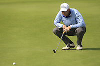 David Howell (ENG) lines up his putt on the 9th green during Sunday's Final Round of the 2014 BMW Masters held at Lake Malaren, Shanghai, China. 2nd November 2014.<br /> Picture: Eoin Clarke www.golffile.ie