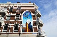 Nederland Rotterdam 2015. Muurschildering met schip bij de Prins Hendrikkade op het Noordereiland. Foto Berlinda van Dam / Hollandse Hoogte