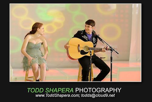 A Justin Bieber stand in serenades Haley at her Tarrytown House Bat Mitzvah.