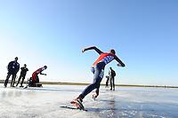 SCHAATSEN: Natuurijs: Kortebaan, Ulesprong, 02-02-2012, , ©foto Martin de Jong