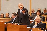 Vincenzo De Luca presidente della regione Campania &egrave; stato sospeso dal suo incarico per effetto legge severino<br />  in consiglio regionale foto d'archivio