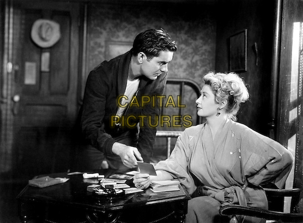 Tyrone Power Jr. & Joan Blondell.in Nightmare Alley.*Filmstill - Editorial Use Only*.CAP/PLF.Supplied by Capital Pictures.