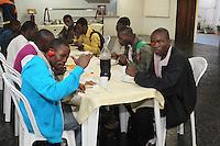 SAO PAULO, SP, 29-04-2014, HAITIANOS IGREJA TUCURUVI. Cerca de vinte haitianos foram acolhidos na Igreja Nossa Senhora da Luz no bairro do Tucuruvi.  Hoje (29) um almoço foi preparado pela paroquia, segundo informações a alimentação prometida pela prefeitura não foi entregue.   Luiz Guarnieri/ Brazil Photo Press.
