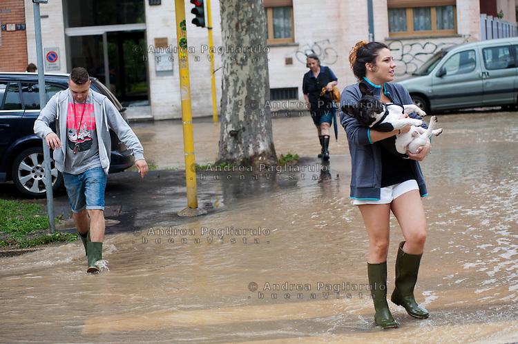Milano,  viale Zara.<br /> Esondazione fiume Seveso.<br /> Milan, flooding of the river Seveso.