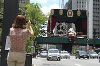 .ATENÇAO EDITOR FOTO EMBARGADA PARA VEICULOS INTERNACIONAIS. SAO PAULO, 05 DE DEZEMBRO DE 2012 - PRACA DE NATAL DA AV PAULISTA - A praça de natal da av Paulista ja esta pronta e seria inaugurada hoje mais a data foi mudada para sexta feira 7 por determinação  da empresa municipal  de turismo da cidade de Sao Paulo na regiao central da capital  nessa quarta 05. (FOTO LEVY RIBEIRO - BRAZIL PHOTO PRESS).