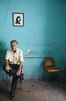 Luego de 62 a–os de tradici—n Fotogr‡fica Ernesto Padilla Ram'rez decide cerrar su local Foto Robert  en calle Elias calles no. 69 col. Centro debido a la cris econ—mica que se reciente.