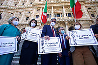 Demonstration of the lawyers in front of the Court of Cassation to ask for the reopening of the Law Courts. The protesters show signs with the inscription Justice is extinguished. Rome (Italy), June 23rd 2020<br /> Samantha Zucchi Insidefoto