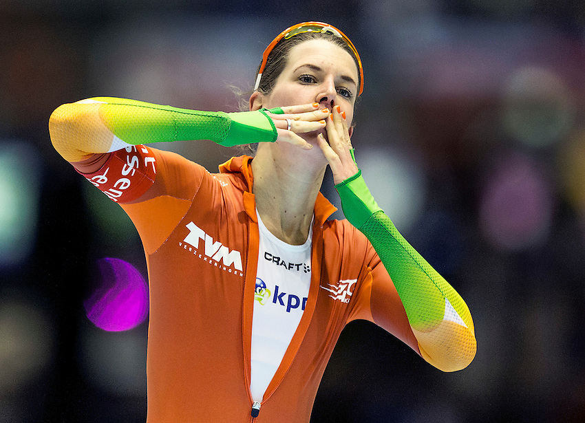 Ireen Wust of the Netherlands reacts after winning the women's 3000 meters at the Essent ISU speed skating world championship in Heerenveen March 22, 2014. REUTERS/Michael Kooren (NETHERLANDS - Tags: SPORT SPEED SKATING)