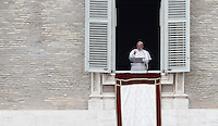 Papa Francesco recita il suo primo Angelus dalla finestra del suo studio, in piazza San Pietro, Citta' del Vaticano, 17 marzo 2013..Pope Francis recites his first Sunday Angelus prayer from his studio window overlooking St. Peter's square, Vatican, 17 March 2013..UPDATE IMAGES PRESS/Isabella Bonotto