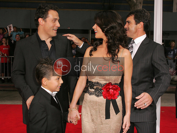 """Rufus Sewell and Catherine Zeta-Jones with Antonio Banderas and Adrian Alonso<br />at the premiere of """"The Legend of Zorro"""". Orpheum Theater, Los Angeles, CA. 10-16-05<br />Dave Edwards/DailyCeleb.com 818-249-4998"""