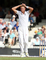 Stuart Broad of England - England vs Australia - 1st day of the 5th Investec Ashes Test match at The Kia Oval, London - 21/08/13 - MANDATORY CREDIT: Rob Newell/TGSPHOTO - Self billing applies where appropriate - 0845 094 6026 - contact@tgsphoto.co.uk - NO UNPAID USE