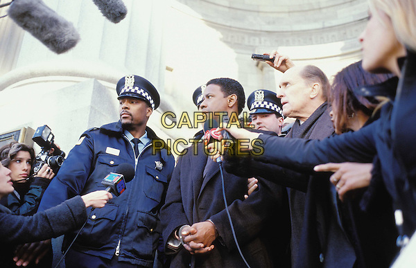 DENZEL WASHINGTON & ROBERT DUVALL.in John Q.Filmstill - Editorial Use Only.Ref: FB.www.capitalpictures.com.sales@capitalpictures.com.Supplied By Capital Pictures.
