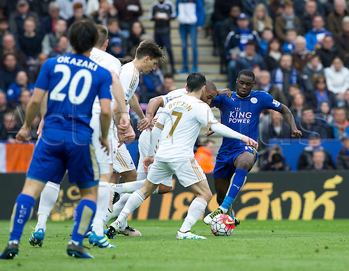 24.04.2016. King Power Stadium, Leicester, England. Barclays Premier League. Leicester versus Swansea.  Leicester City midfielder Jeff Schlupp feeding the ball past the Swansea defence.