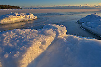 Ice along Georgian Bay (Lake Huron). Manitoulin Island<br />