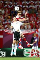 LVIV, UCRANIA, 17 JUNHO 2012 - EURO 2012 - ALEMANHA X DINAMARCA - Lars Bender (E)  jogador da Alemanha disputa bola contra a Dinamarca em partida pelo terceira rodada do grupo B da Euro 2012 em Lviv na Ucrania neste domingo, 17. (FOTO: PIXATHLON / BRAZIL PHOTO PRESS).