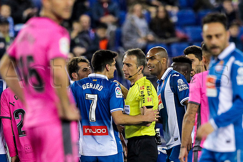 4th January 2018, Cornella-El Prat, Cornella de Llobregat, Barcelona, Spain; Copa del Rey football, round of 16, first leg, Espanyol versus Levante; Gerard Moreno of RCD Espanyol protests the referee David Fernandez Borbalan