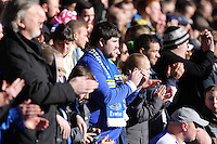 Pictured: Everton supporters during a minute's applause for Sir Tom Finney before kick off. Sunday 16 February 2014<br />