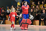Mannheim, Germany, January 24: During the 1. Bundesliga Damen Hallensaison 2014/15 quarter-final hockey match between Mannheimer HC (white) and Harvestehuder THC (black) on January 24, 2015 at Irma-Roechling-Halle in Mannheim, Germany. Final score 2-3 (2-2). (Photo by Dirk Markgraf / www.265-images.com) *** Local caption *** Nadine Stelter #13 of Mannheimer HC