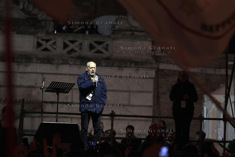 Roma, 24 Gennaio 2015<br /> Piazza del Popolo.<br /> La notte dell'onest&agrave;, manifestazione organizzata dal Movimento 5 stelle contro la curruzione e le mafie.<br /> Salvatore Borsellino, fratello di Paolo.