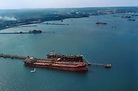 - oil tankers in the gulf of Augusta in front of the petrochemical industrial zone of Priolo....- petroliere nel golfo di Augusta davanti alla zona industriale petrolchimica di Priolo......