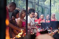 Rio de Janeiro (RJ), 23/04/2019 - Feriado / São Jorge / Rio de Janeiro - Fies lotam a igreja de São Jorge no centro do Rio de Janeiro nesta terça-feira, 23. (Foto: Vanessa Ataliba/Brazil Photo Press)