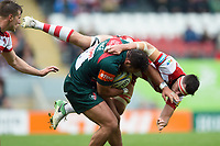 Ellis Genge of Leicester Tigers tackles Lewis Ludlow of Gloucester Rugby. Aviva Premiership match, between Leicester Tigers and Gloucester Rugby on September 16, 2017 at Welford Road in Leicester, England. Photo by: Patrick Khachfe / JMP