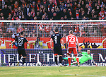 12.04.2019, Stadion an der Wuhlheide, Berlin, GER, 2.FBL, 1.FC UNION BERLIN  VS. Jahn Regensburg, <br /> DFL  regulations prohibit any use of photographs as image sequences and/or quasi-video<br /> im Bild 1:1 durch 11m Sebastian Nachreiner (Jahn Regensburg #28), Rafael Gikiewicz (1.FC Union Berlin #1)<br /> <br />      <br /> Foto &copy; nordphoto / Engler
