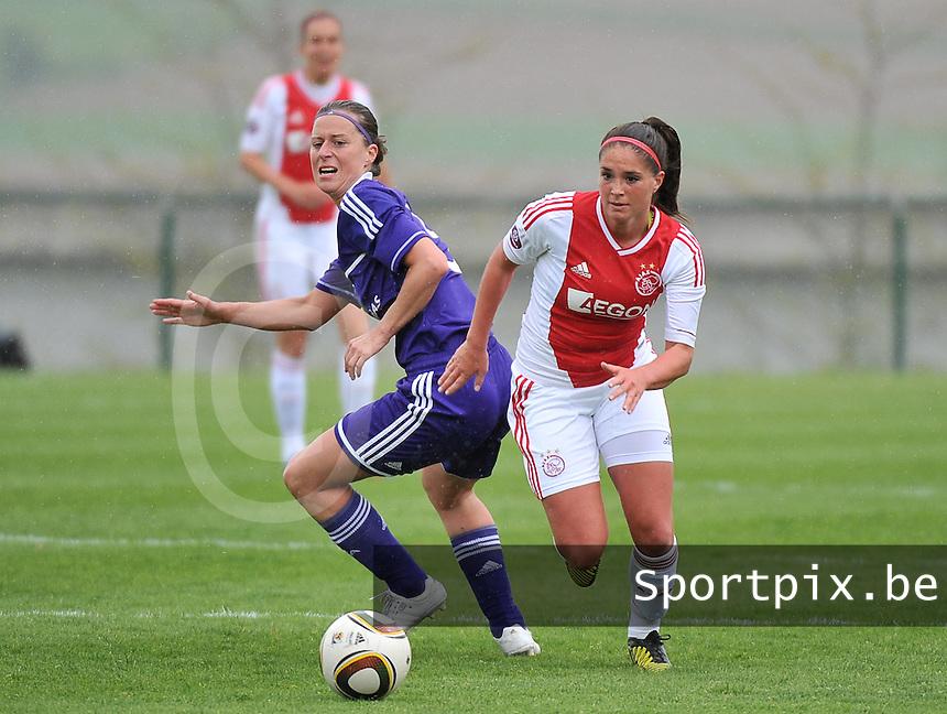 RSC Anderlecht Dames - Ajax Amsterdam : Babiche Roof (rechts) en Cynthia Browaeys.foto DAVID CATRY / Nikonpro.be