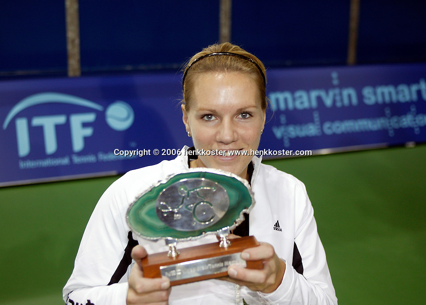 19-11-06,Amsterdam, Tennis, Wheelchair Masters, winner Esther Vergeer with the trophy