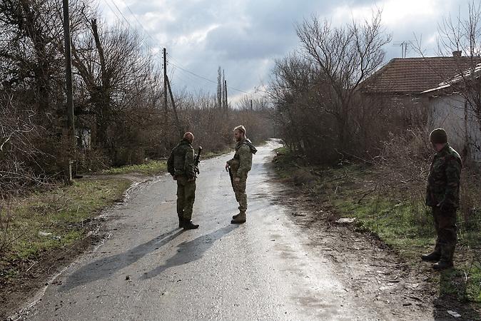 Die Legionäre umgehen die Straße an ihrem Haus.