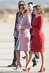 Queen Letizia of Spain (R) receives Queen Rania of Jordan at Barajas Airport in Madrid, Spain. July XX, 2015. (ALTERPHOTOS/Victor Blanco)
