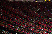 RIO DE JANEIRO, RJ, 23.10.2019 - FLAMENGO-GRÊMIO - Torcida do Flamengo durante partida contra o Grêmio, jogo válido pela semi-final da Copa Libertadores da América, no estádio do Maracanã, no Rio de Janeiro nesta quarta-feira, 23. (Foto: Gustavo Serebrenick/Brazil Photo Press)