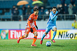 Jeju United FC Forward Hwang Ilsu (L) in action during the AFC Champions League 2017 Group H match between Jeju United FC (KOR) vs Jiangsu FC (CHN) at the Jeju World Cup Stadium on 22 February 2017 in Jeju, South Korea. Photo by Marcio Rodrigo Machado / Power Sport Images