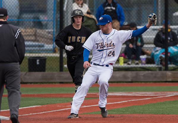 VANCOUVER,BC:APRIL 23, 2017 -- UBC Thunderbirds Oregon Tech Institute Hustling Owls during NAIA baseball action at UBC in Vancouver, BC, April, 23, 2017. (Rich Lam/UBC Athletics Photo) <br /> <br /> ***MANDATORY CREDIT***