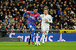 Real Madrid´s Luka Modric and Levante UD´s Victor Camarasa Ferrando during 2014-15 La Liga match between Real Madrid and Levante UD at Santiago Bernabeu stadium in Madrid, Spain. March 15, 2015. (ALTERPHOTOS/Luis Fernandez)